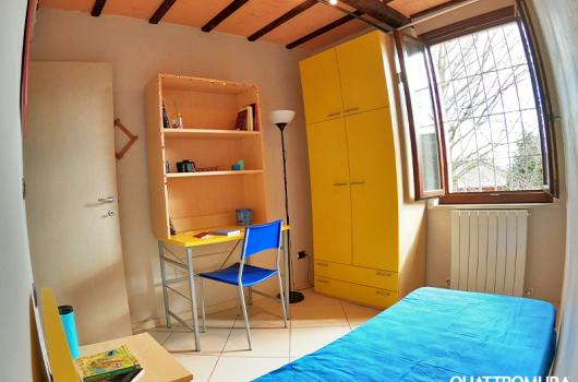 Seconda camera dotata di letto singolo e scrivania