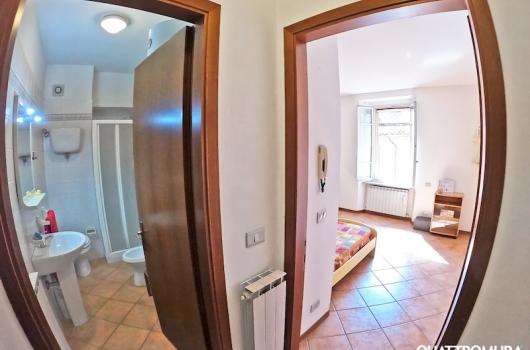 Panoramica prima camera e bagno