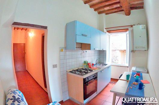 Panoramica cucina e ingresso